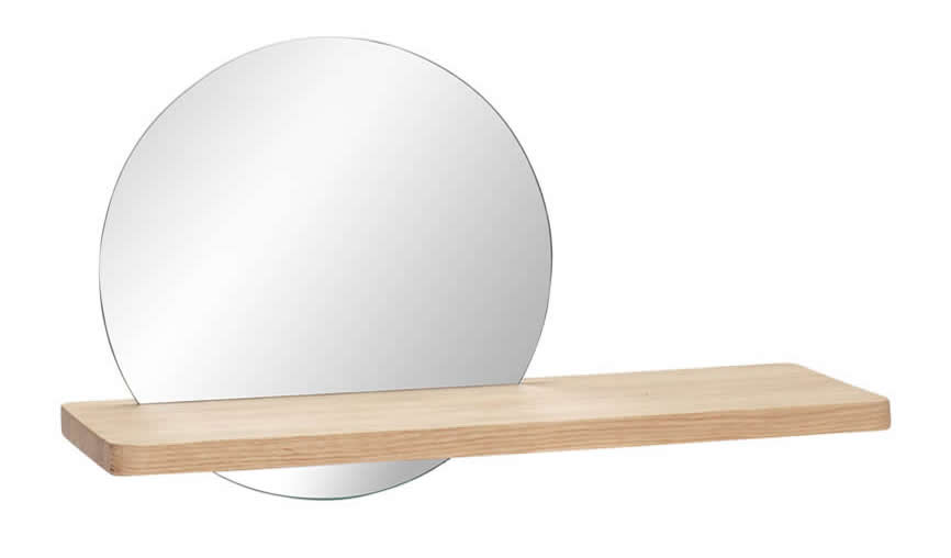 Ronde spiegel en houten wandplank