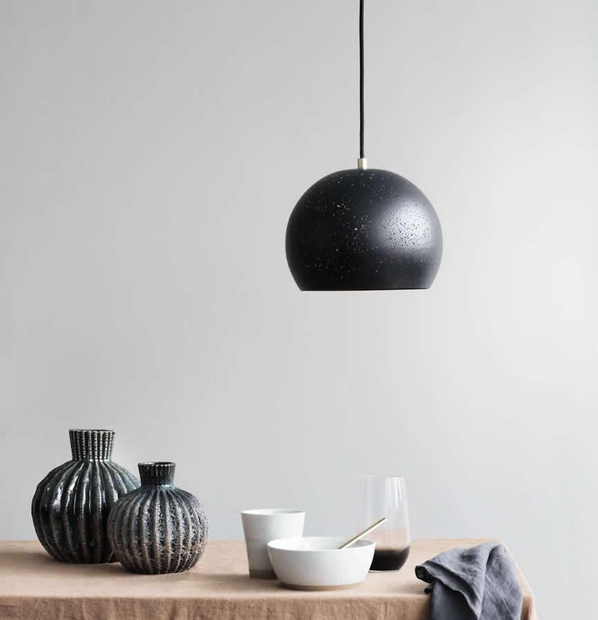 Broste hanglamp en Grod servies 2018