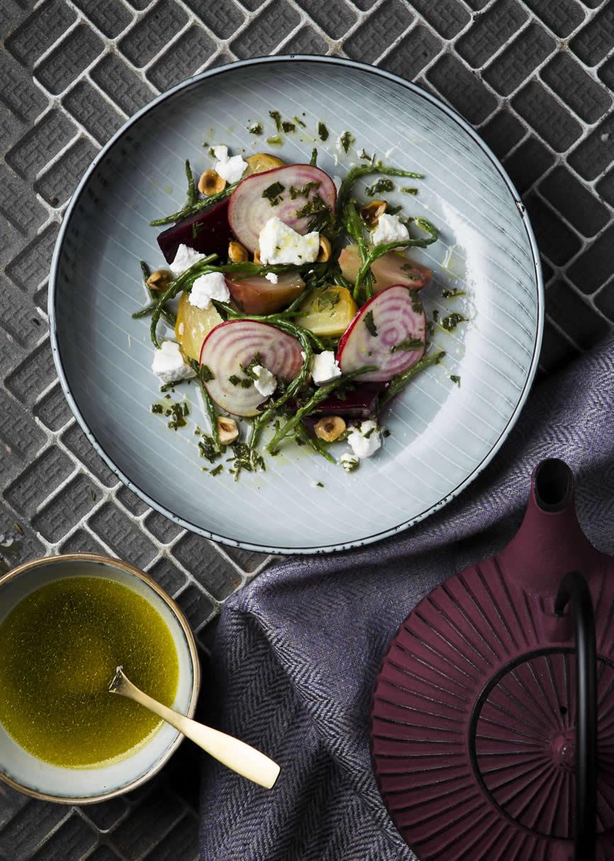 Salade op Nordic Sea 22.5cm diep bord, van Foodies