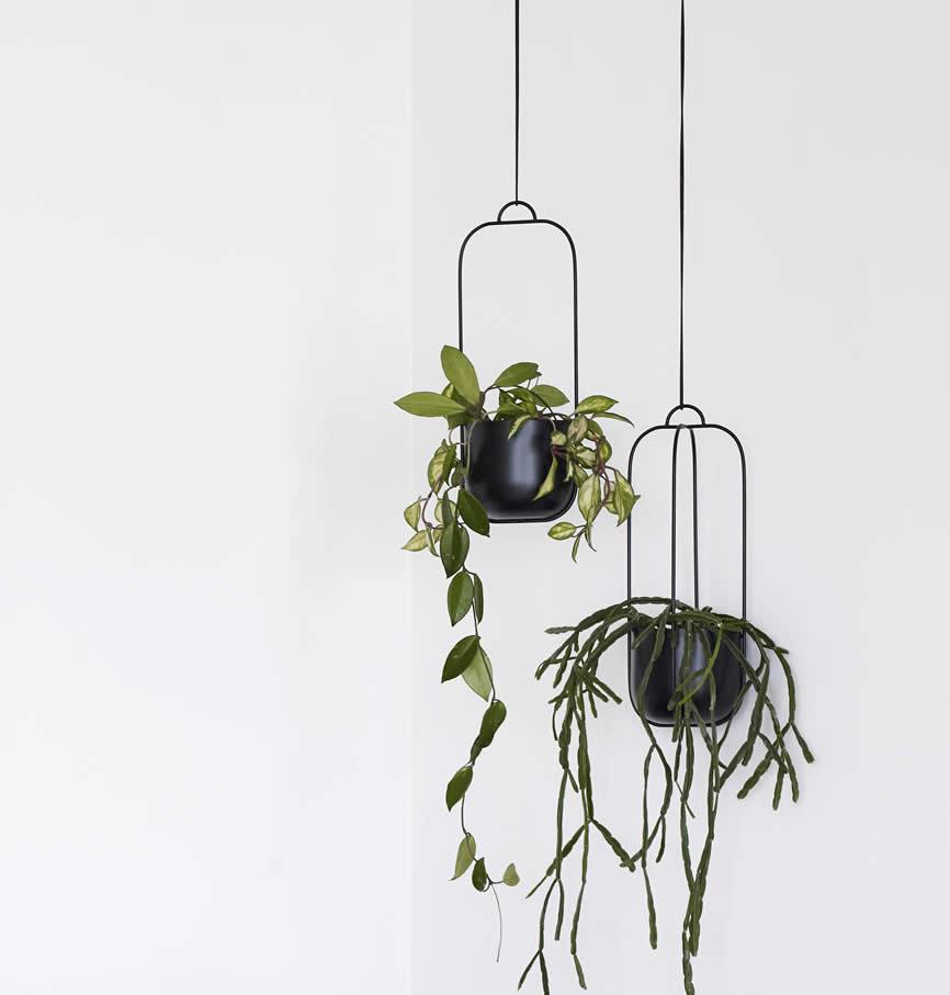 Hubsch hangende bloempotten in zwart